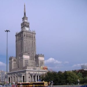 Varşova: Küllerinden Yeniden Doğan Şehir - Varşova Gezi Rehberi