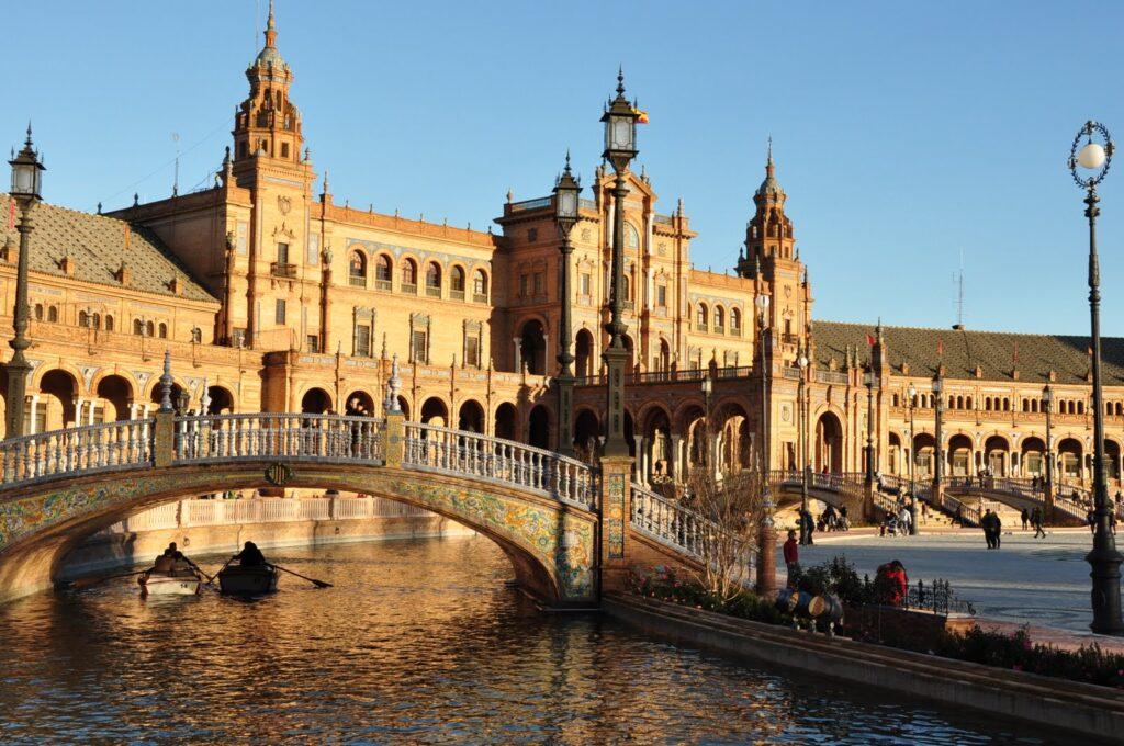 Plaza de Espana - Sevilla Gezi Rehberi Kaynak: Pinterest