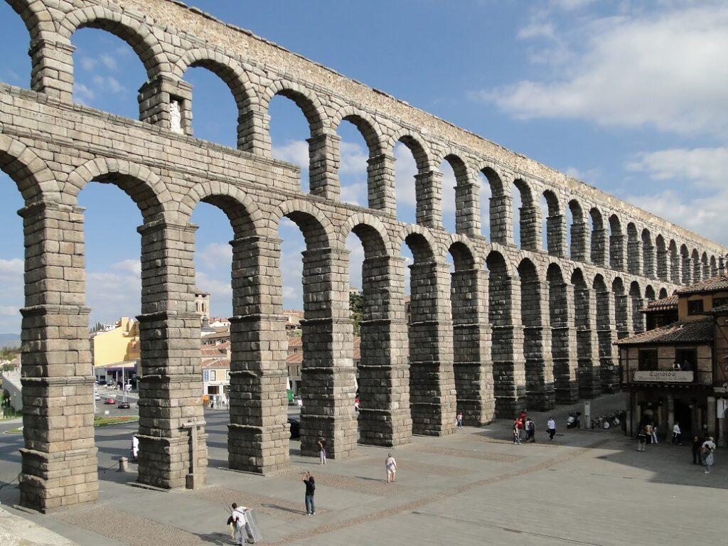 Aqueduct - Segovia Gezi Rehberi