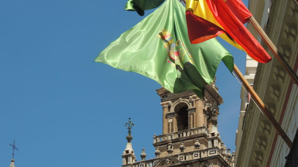 Endülüs Eyalet bayrağı - Sevilla Gezi Rehberi