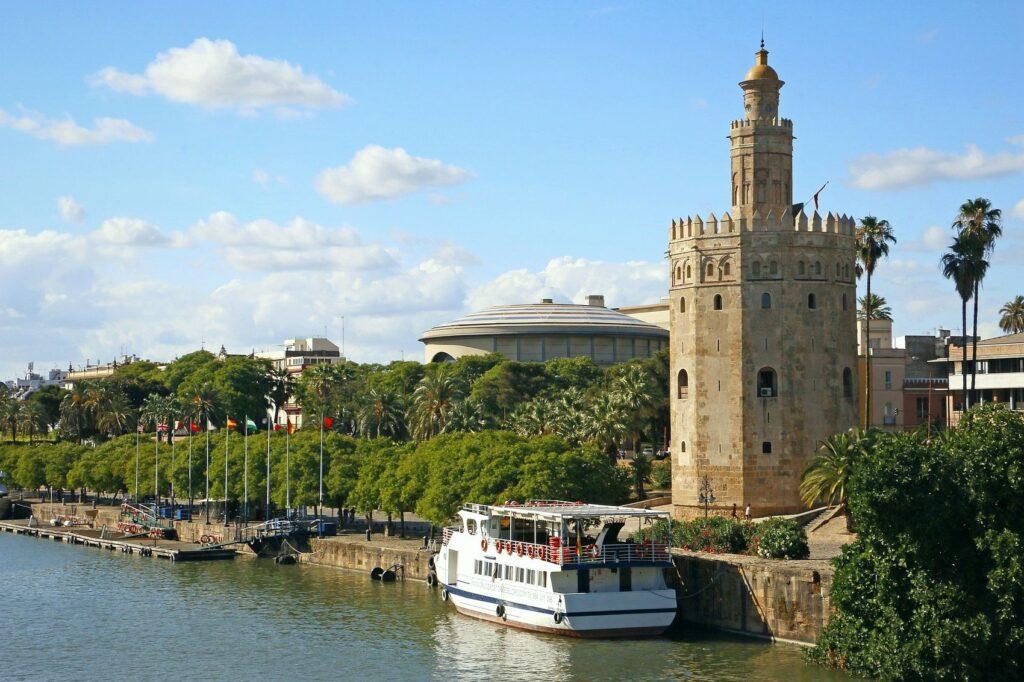 Torre del Oro - Sevilla Gezi Rehberi