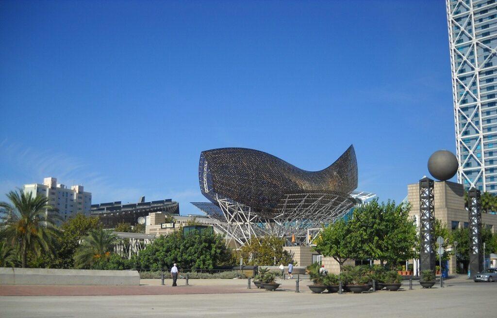Barcelonata'da Bulunan Peix Heykeli- Barselona'da Ücretsiz Yapılabilecek Aktiviteler