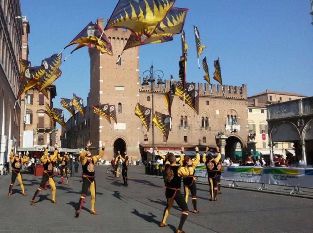 Po Deltasında Bir Rönesans Şehri - Ferrara Gezi Rehberi