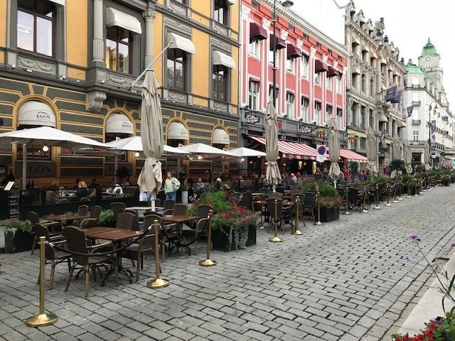 Karl Johans Gate Street - Oslo Gezi Rehberi
