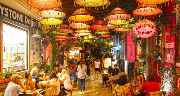 Karadeniz Pastanesi - Cunda-Ayvalık Gezi Rehberi
