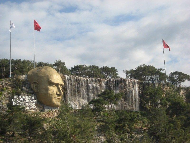 Antalya'da Ne Yenir? – Antalya'da Yenilmesi Gereken 15 Lezzet