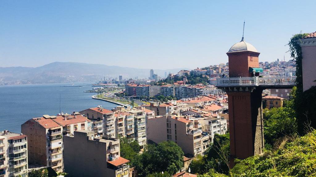 İzmir Merkez Gezi Rehberi - tarihi Asansör