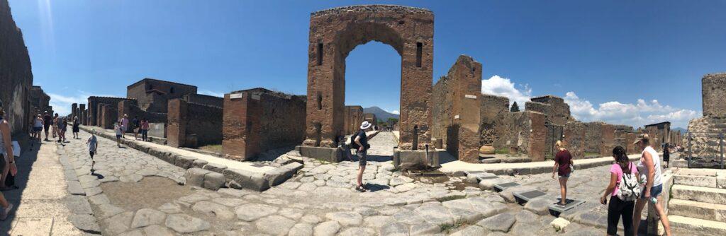 Pompeii Gezi Rehberi - Bir Trajedinin ve Şehrin Hikayesi