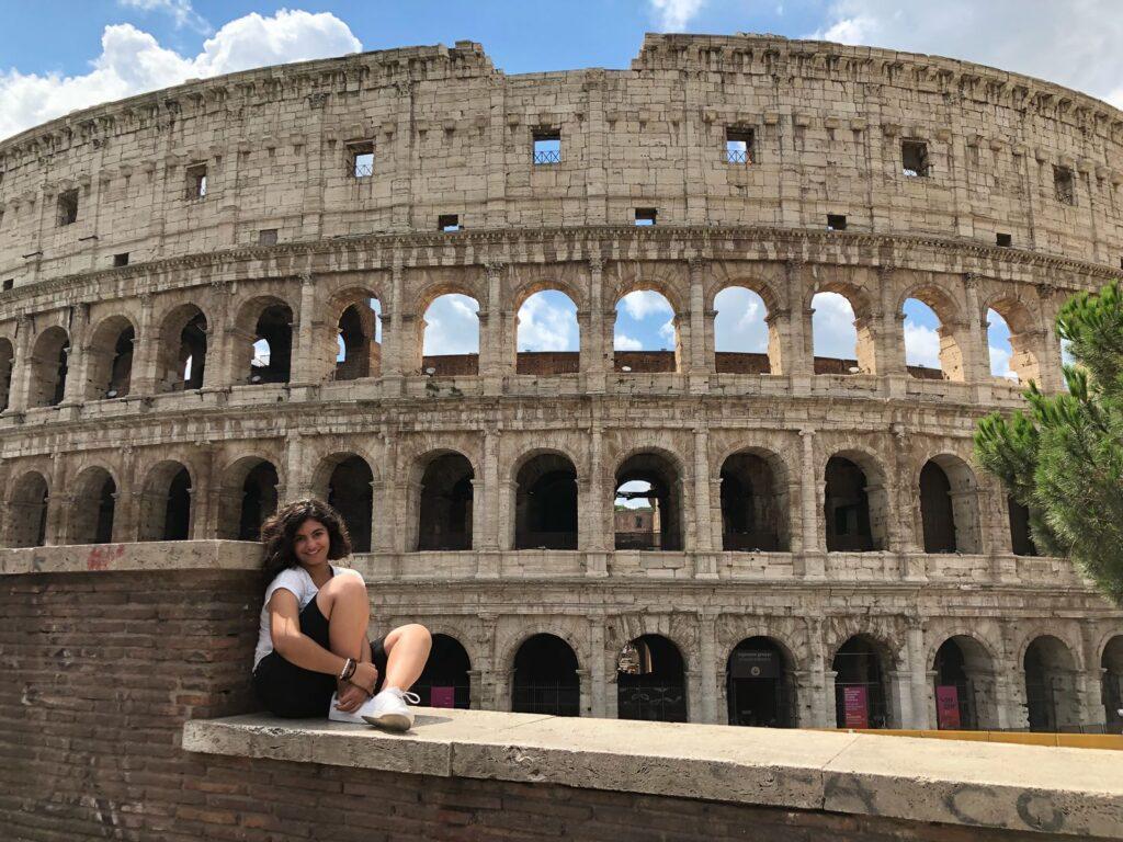 Ününü Deli Neron'dan Alan Yapı: Colosseum - Yakarım Roma'yı!
