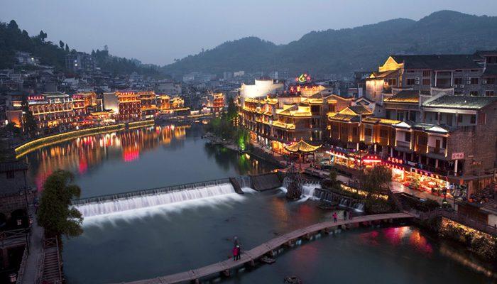 Mutlaka gezmeniz gereken 9 masal diyarı Asya köyü - Fenghuang Ancient Town, China