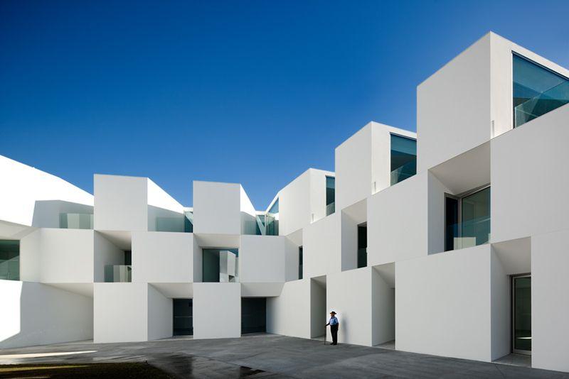 Yaşlıların daha sağlıklı olması için bakımevi - Alcacer do Sal - Portekiz - AIRES MATEUS