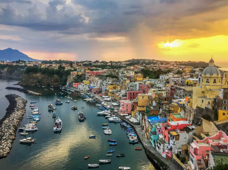 Mutlaka gezmeniz gereken 7 masal diyarı İtalya köyü - Procida
