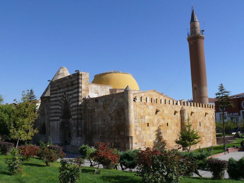 Cacabey Gökbilim Medresesi - Kırşehir Gezi Rehberi