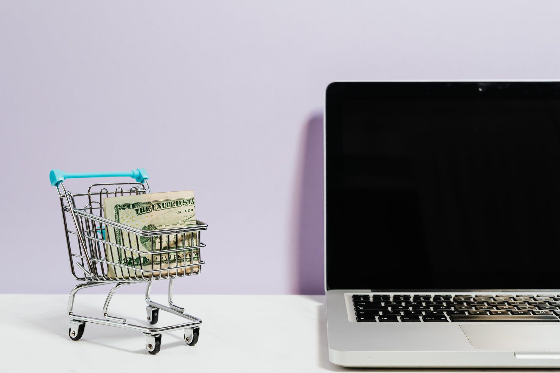 Sade Bir Yaşamın İpuçları: Satın Alma Alışkanlıklarını Yeniden Düzenle