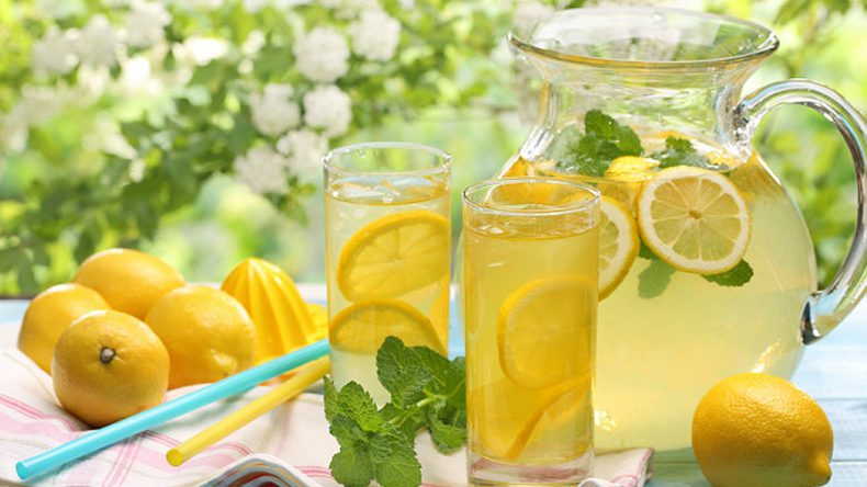 Yaz Sıcağında Serinleten Sağlıklı İçecekler | Lezzetli 8 Farklı İçecek