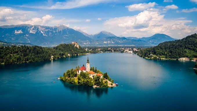Dünyanın En Güzel Gölleri   Görsel Şölen Sunan 10 Göl